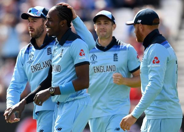 इंग्लैंड को लगा बड़ा झटका, एशेज सीरीज से बाहर हुआ विश्व विजेता बनाने वाला खिलाड़ी 1