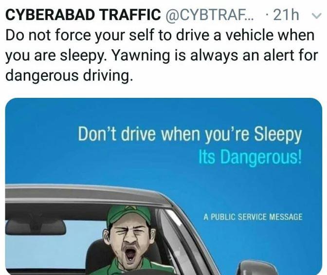 ट्रैफिक पुलिस ने सरफराज अहमद की जम्हाई वाली तस्वीर को जागरूकता फैलाने के लिए किया प्रयोग 2
