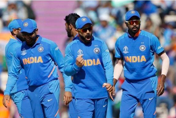 INDvsWI: पूर्व दिग्गज भारतीय खिलाड़ी ने रोहित शर्मा को गलत आउट देने पर आईसीसी को लगाई फटकार 2