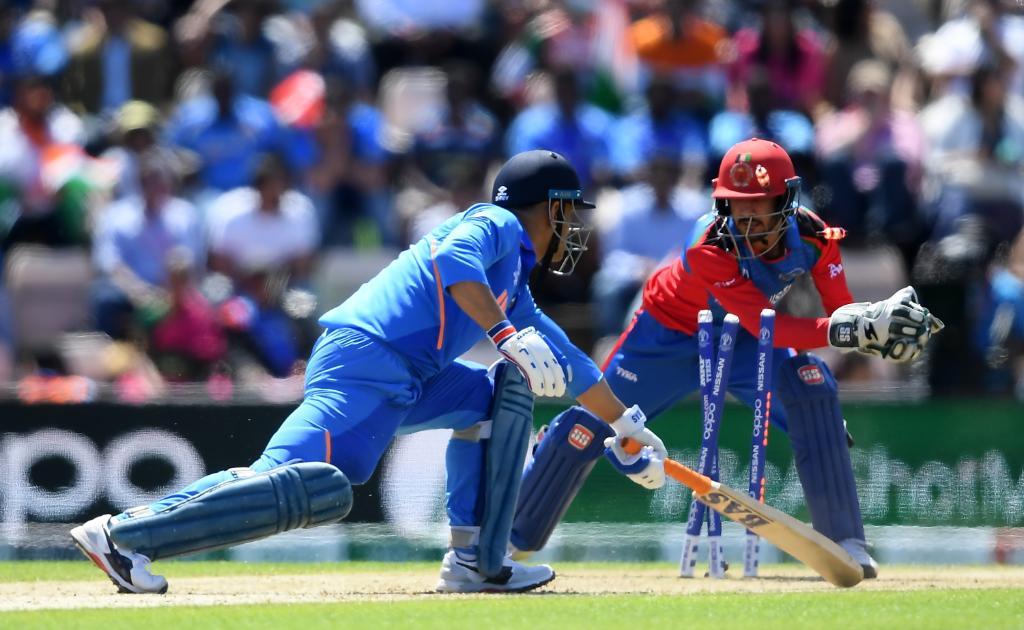 WORLD CUP 2019: महेंद्र सिंह धोनी की इन दो गलतियों की वजह से टीम इंडिया रह सकती हैं विश्व कप से दूर! 11