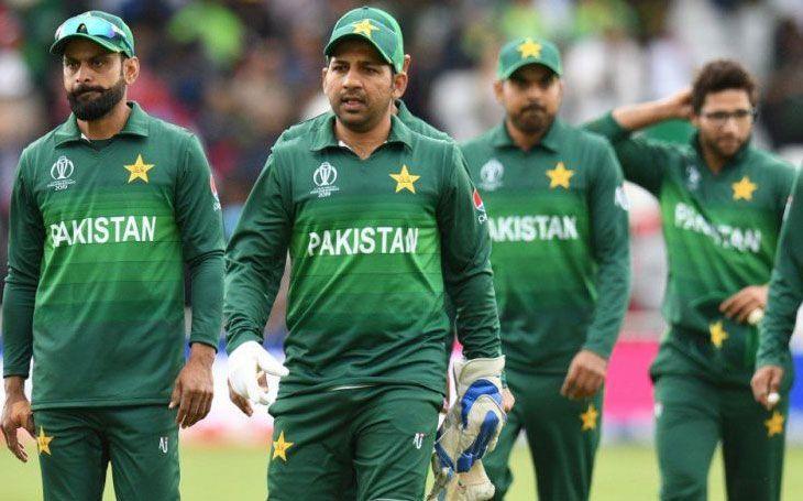 भारतीय टीम से हारने के बाद पाकिस्तान क्रिकेट बोर्ड ने लिया बड़ा फैसला, दिग्गज की होगी टीम से छुट्टी 3