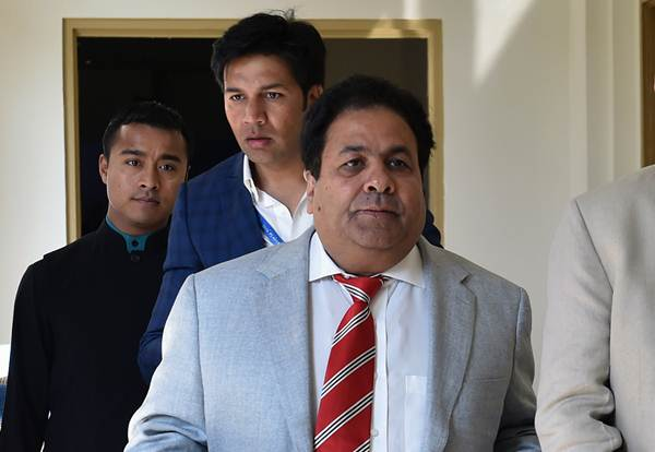 महेंद्र सिंह धोनी में अभी बहुत क्रिकेट बाकी है: आईपीएल चेयरमैन 8