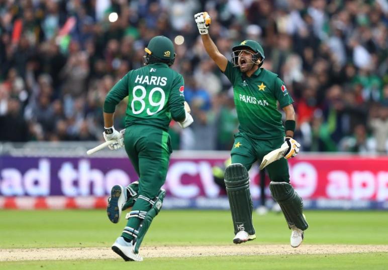 CWC 2019, NZvsPAK: पाकिस्तान की जीत के बाद सोशल मीडिया पर छाएं ये खिलाड़ी, शोएब मलिक का बना मजाक 14