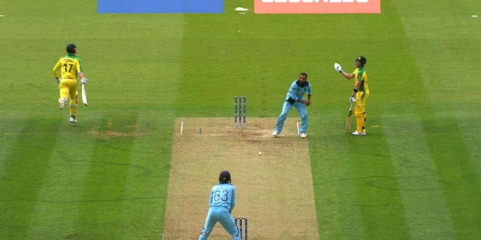 WORLD CUP 2019: 41.5 ओवर में मैदान पर दिखा ड्रामा अजीबोगरीब तरीके से रन आउट हुए मार्कस स्टोइनिस 7