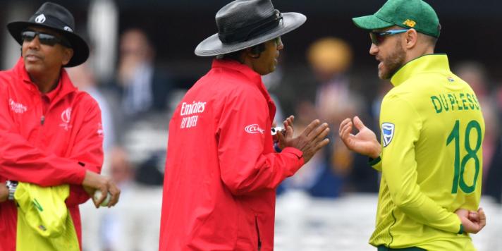 WORLD CUP 2019: SA vs PAK: 11.2 ओवर के खेल में मैदान पर देखने को मिला बड़ा ड्रामा, किसी को नहीं हुआ यकीन 3