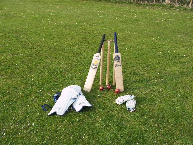 क्रिकेट के मैदान पर लाइव मैच के दौरान ही इन खिलाड़ियों ने गंवाई जान, लिस्ट में दिग्गज भारतीय 2