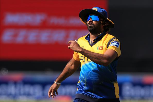 INDvsSL : 'मैन ऑफ़ द मैच' रोहित शर्मा ने बड़ा दिल दिखाते हुए खुद को नहीं बल्कि इस खिलाड़ी को बता डाला 'चैंपियन' 4