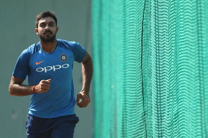 विजय शंकर के बाहर होने से इस भारतीय खिलाड़ी को होगा सबसे ज्यादा नुकसान 13