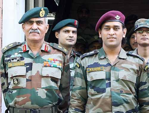 महेन्द्र सिंह धोनी के सेना के साथ रहने के अनुरोध पर भारतीय सेना ने लिया ये फैसला 2