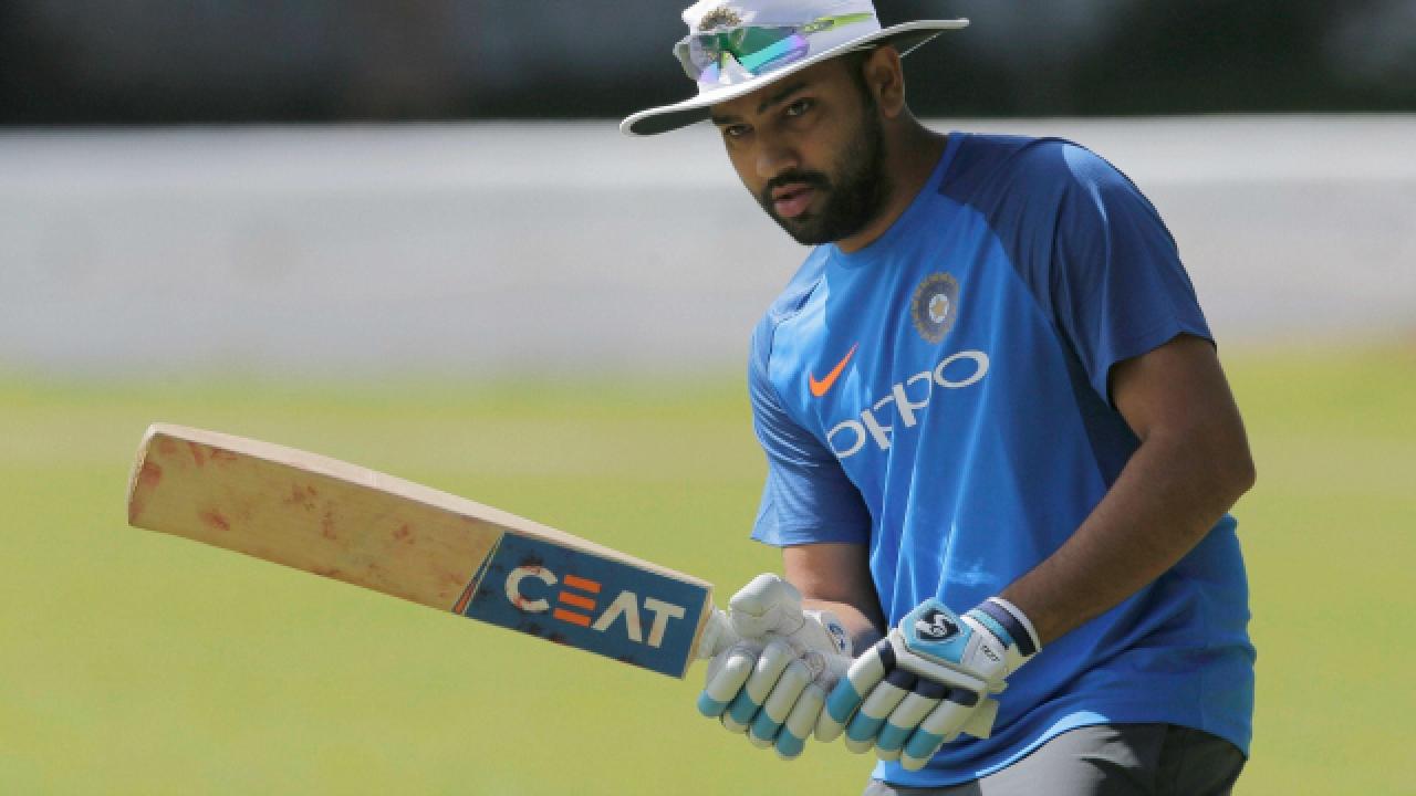 वेस्टइंडीज के खिलाफ टी20 सीरीज में 4 छक्के लगाते ही रोहित शर्मा बन जाएंगे छक्कों के शहंशाह 1
