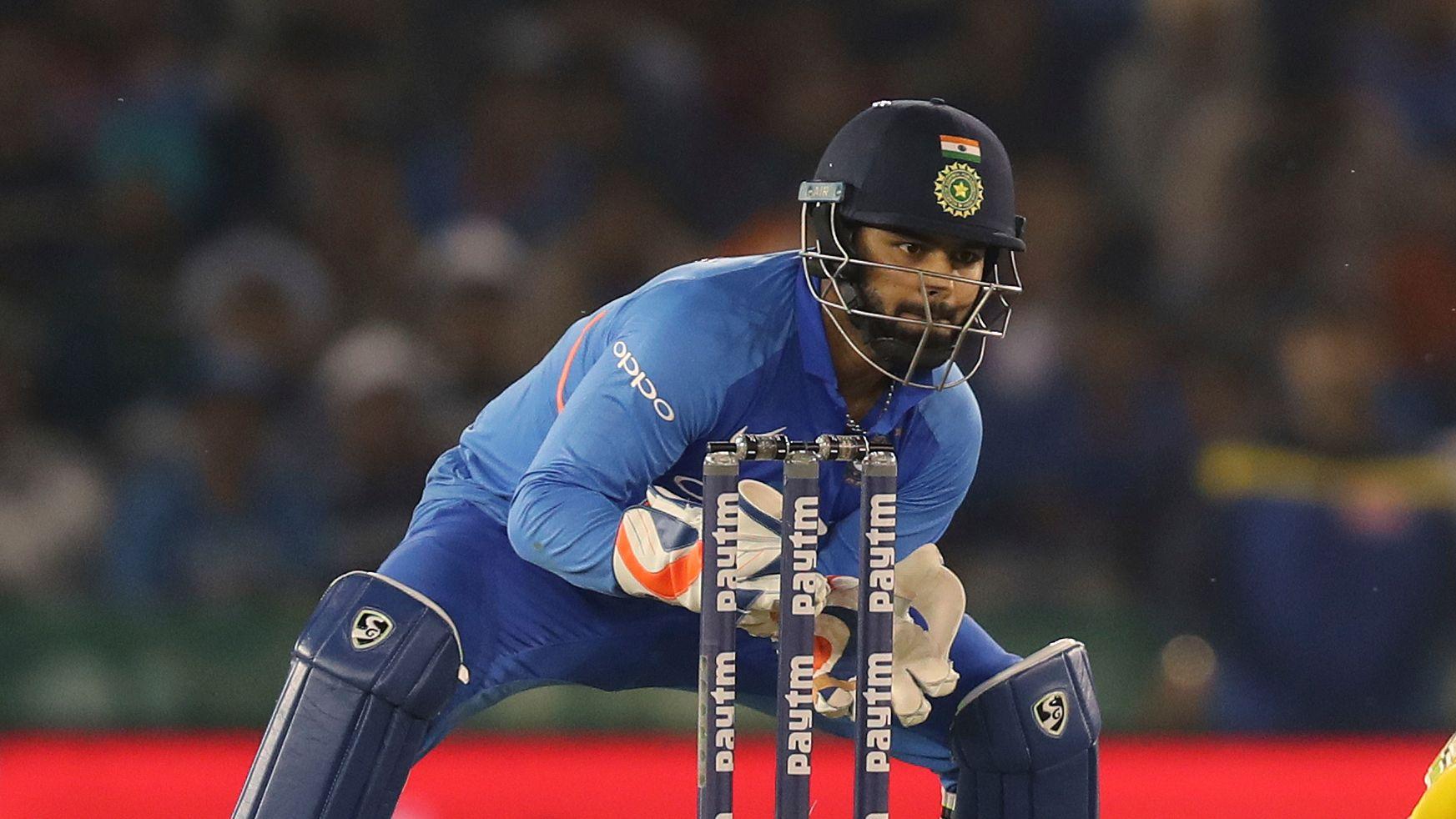 मुख्य चयनकर्ता ने महेंद्र सिंह धोनी और ऋषभ पंत की तुलना में इस खिलाड़ी को बताया नंबर एक 3