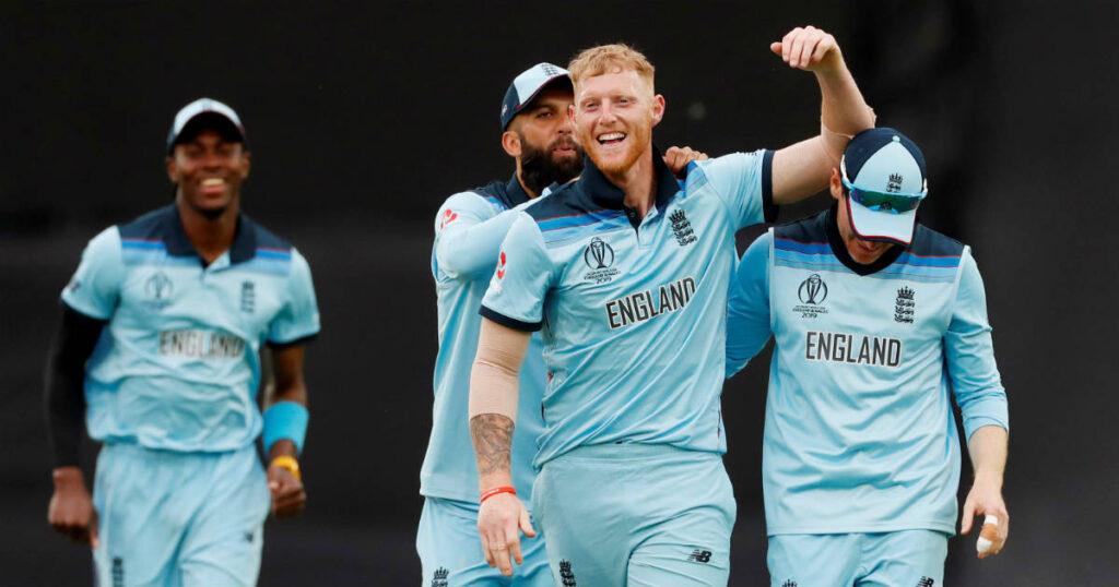INDvsENG: अंतिम ओवर में धोनी और केदार जाधव की धीमी बल्लेबाजी देख भड़के गांगुली ने कही ये बात 3