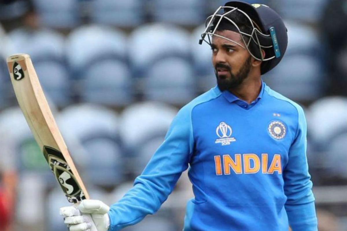 IND vs WI: 1st T20I: के एल राहुल को टीम में जगह ना मिलने के बाद शास्त्री और कोहली को प्रशंसकों ने सुनाई खरी खोटी 3
