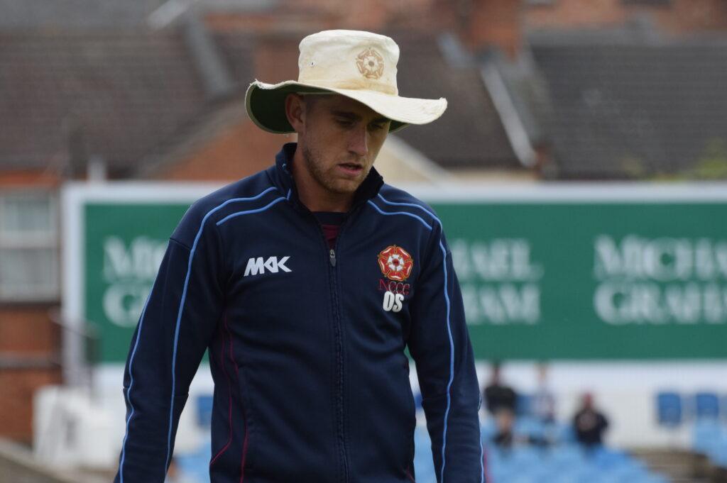 इंग्लैंड की टीम को बड़ा झटका, एशेज के सभी टेस्ट मैचों से बाहर हुआ स्टार खिलाड़ी 2