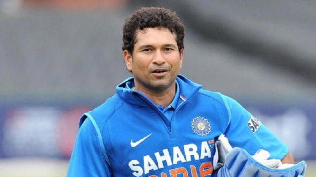 बल्लेबाजी ही नहीं बल्कि गेंदबाजी के ये 5 रिकॉर्ड्स भी हैं सचिन तेंदुलकर के नाम 11