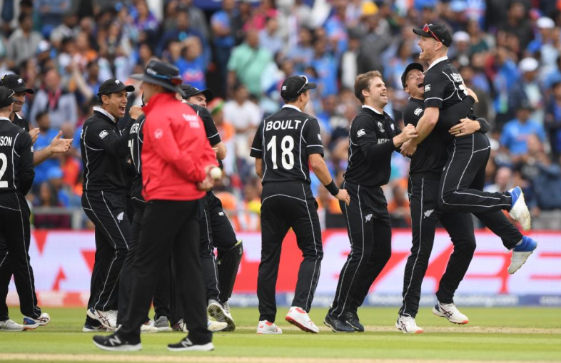 CWC 2019, INDvsNZ: भारत को हराकर फाइनल में न्यूजीलैंड, फिर भी ट्विटर पर छाया यह भारतीय