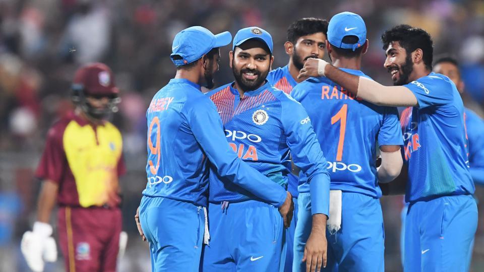 भारतीय टीम के हेड कोच रवि शास्त्री होंगे टीम के बाहर यह ले सकते हैं उनकी जगह 7