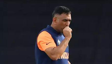 5 कारण क्यों महेंद्र सिंह धोनी को नहीं करना चाहिए विश्व कप के बाद संन्यास की घोषणा