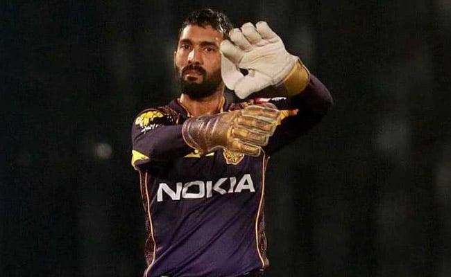 IPL 2020 : सुनील गावस्कर ने केकेआर को दिया सलाह, दिनेश कार्तिक को हटा इन्हें बनाये कप्तान 15