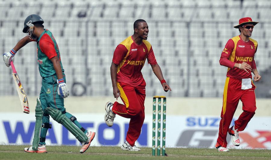 आईसीसी द्वारा बैन लगने के बाद भी बांग्लादेश दौरे पर आ रही जिम्बाब्वे, जानें वजह 8