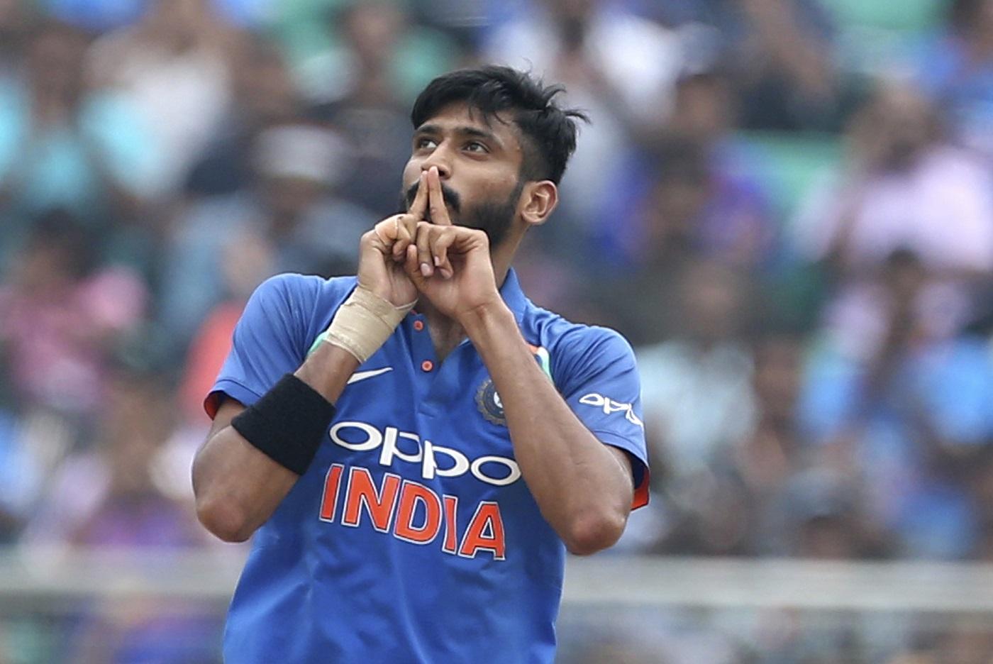 दिग्गज भारतीय खिलाड़ी का कटाक्ष, 'खलील अहमद अंतरराष्ट्रीय स्तर पर खेलने लायक नही' 11