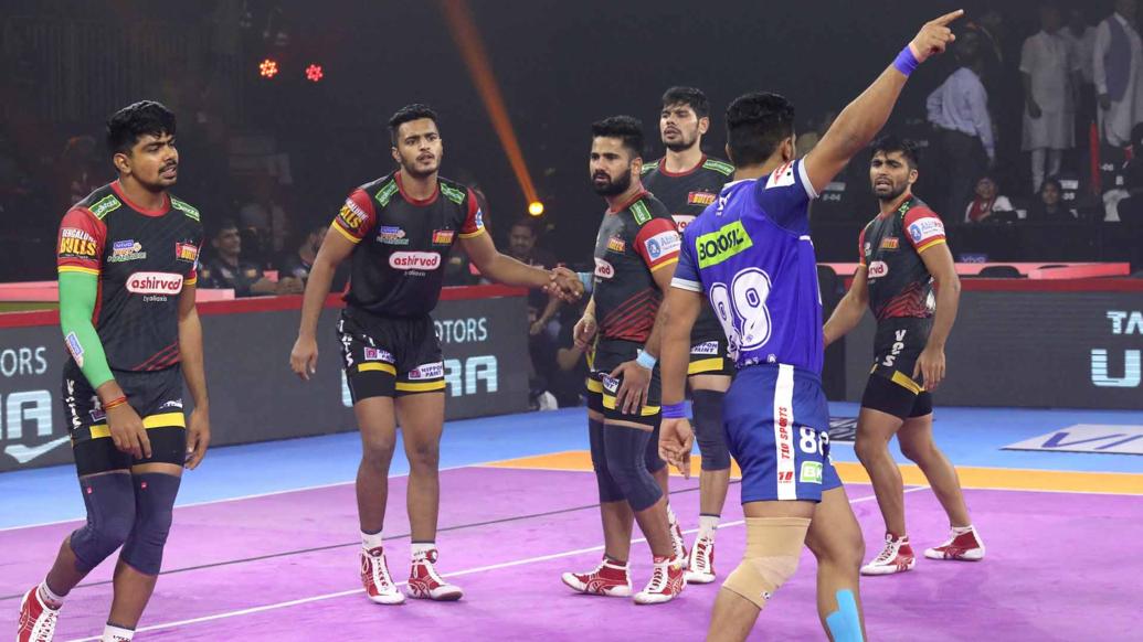 प्रो कबड्डी लीग 2019: हरियाणा स्टीलर्स ने बेंगलुरु बुल्स को 33-30 से हराकर चौंकाया 13