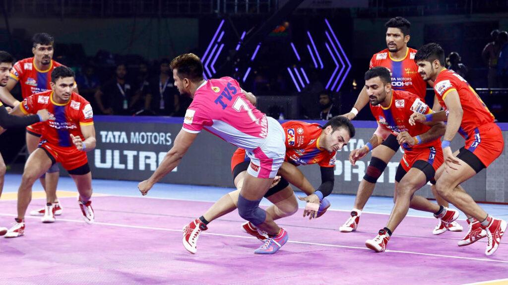 प्रो कबड्डी लीग 2019: यूपी योद्धा ने बड़ा उलटफेर करते हुए जयपुर पिंक पैंथर्स को हराया 2