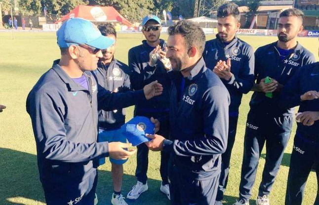 महेन्द्र सिंह धोनी की कप्तानी में खेल चुके ये 5 खिलाड़ी अब हो गये हैं गुमनाम, आपकों याद भी नहीं होंगे 4