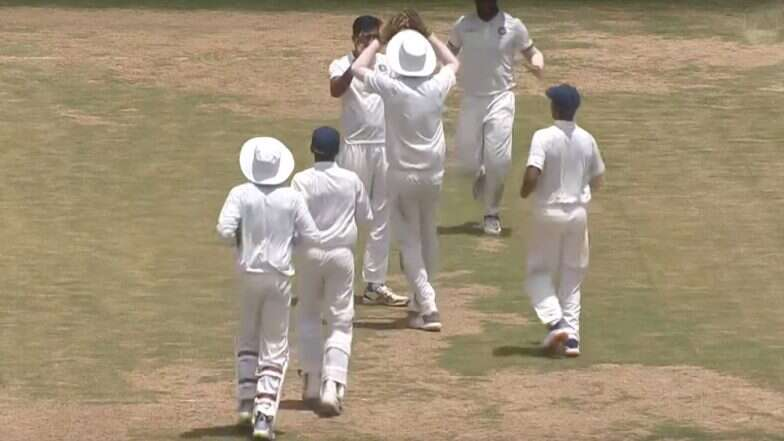 IND A VS WI A: तीसरे टेस्ट मैच के पहले दिन भारत ए की पारी लड़खड़ाई, लेकिन रिद्धीमान साहा चमके 5