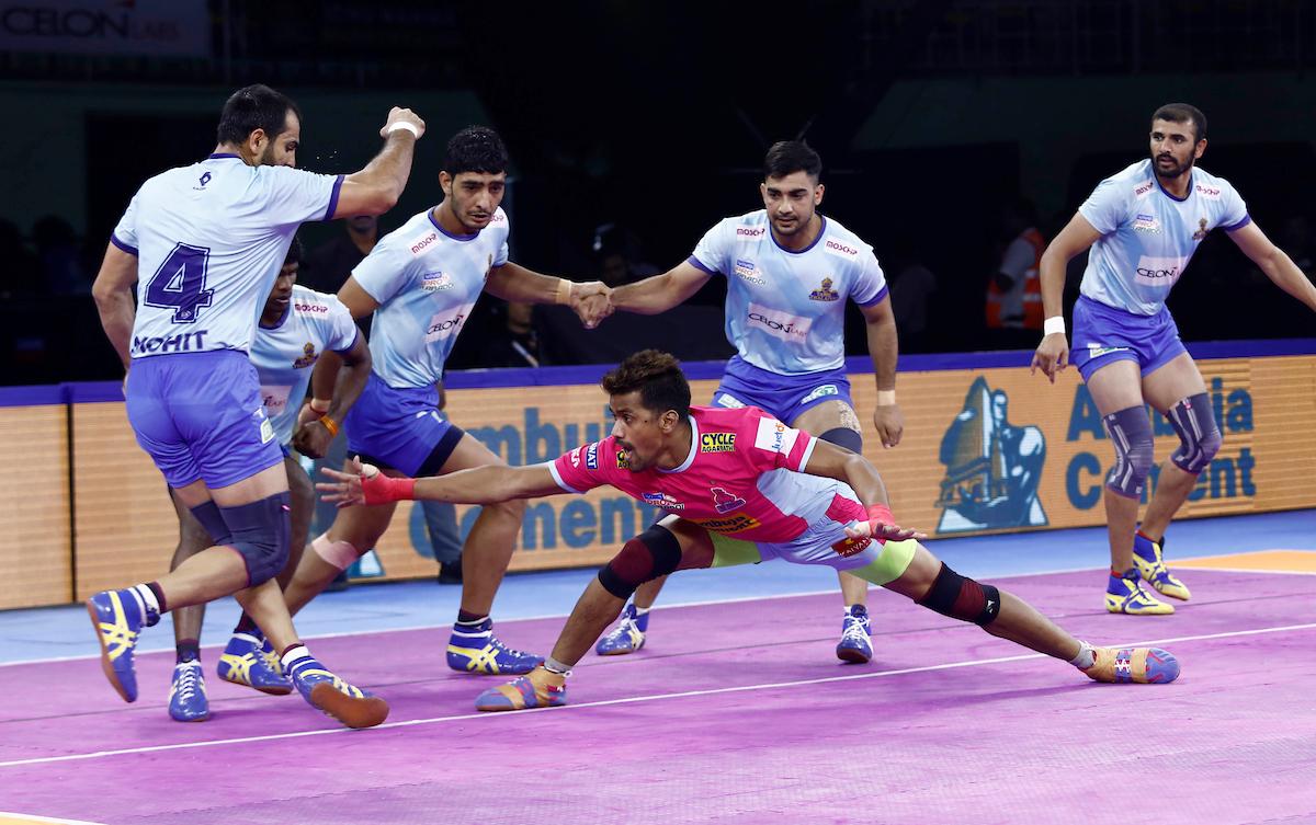 वीवो प्रो कबड्डी सीज़न-7: 52वें मैच में जयपुर पिंक पैंथर्स ने तमिल थलाइवाज़ को 28-26 को दी मात 3