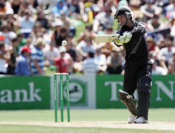 इतिहास के झरोखो से- सबसे तेज दोहरा शतक जड़ने वाला ये बल्लेबाज अब पैसे के लिए लगाता है जान की बाजी