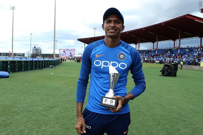 टी20 अंतरराष्ट्रीय डेब्यू में 'मैन ऑफ द मैच' का ख़िताब जीतने वाले 6 भारतीय खिलाड़ी 6