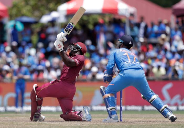 भारत बनाम वेस्टइंडीज: रोहित शर्मा ने टी 20 में सर्वाधिक छक्के लगाने का क्रिस गेल का रिकॉर्ड तोड़ा 4