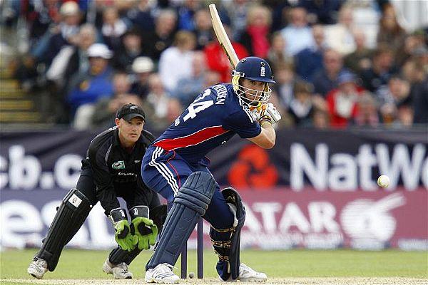 10 बल्लेबाज और उनके मजाकिया बल्लेबाजी स्टांस, दिग्गज खिलाड़ी भी लिस्ट में शामिल 8