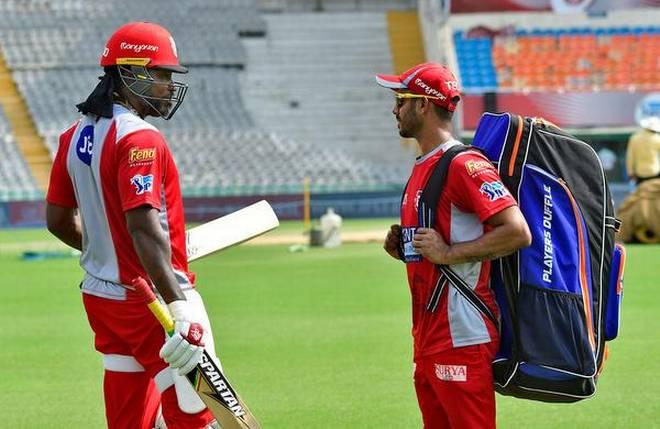 क्रिस गेल की संन्यास के अटकलों के बीच भारतीय खिलाड़ियों ने सोशल मीडिया दी पर संन्यास की बधाई 2