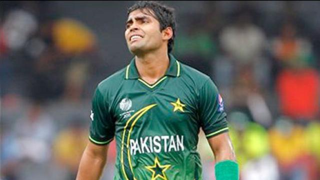 फिटनेस टेस्ट में फेल होने के बाद पाकिस्तानी खिलाड़ी ने उतार दिए गुस्से में कपड़े!