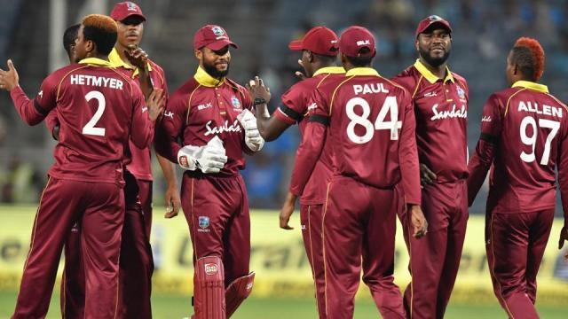 वेस्टइंडीज के इस गेंदबाज ने टी20 फ़ॉर्मेट में रोहित शर्मा को भेजा है 7 बार पवेलियन, आज भी होगा सबसे बड़ा खतरा 4