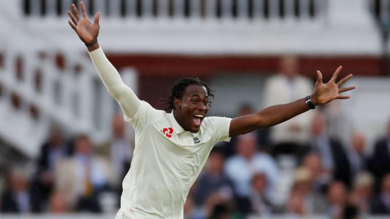 जोफ्रा आर्चर को फटकार लगाने के बाद अब शोएब अख्तर ने दिया इंग्लैंड को इस गेंदबाज को लेकर ये सलाह 1