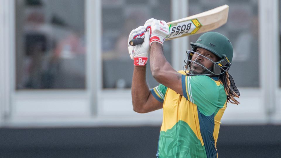 वीडियो- ग्लोबल टी-20 में क्रिस गेल ने इस पाकिस्तानी के एक ओवर में कूटे 32 रन, सोशल मीडिया पर आ रही ऐसी प्रतिक्रिया 2