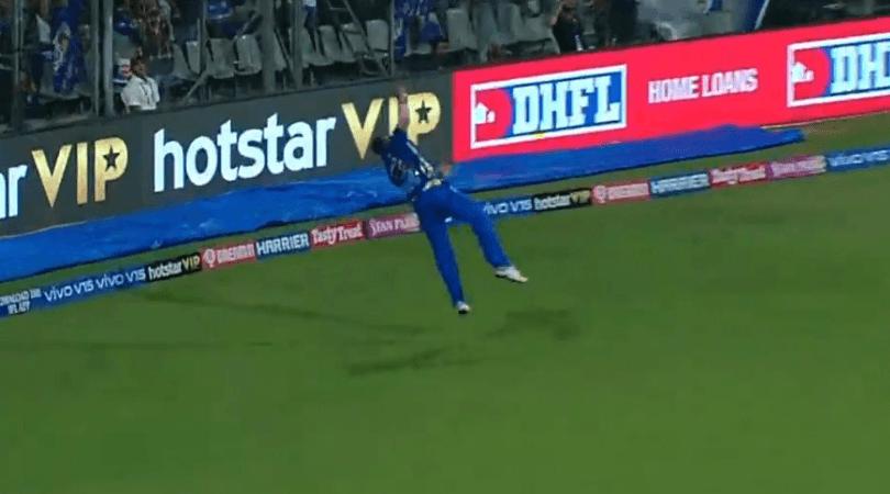 WATCH: मैदान पर फिर दिखा कीरोन पोलार्ड स्पेशल, हवा में उड़ते हुए लिया अद्भुत कैच 3