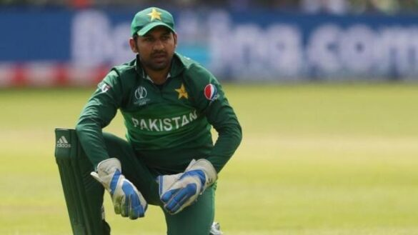 श्रीलंका से टी 20 सीरीज हारने के बाद पाकिस्तान के पूर्व कप्तान ने सरफराज को आराम करने की दी सलाह 17