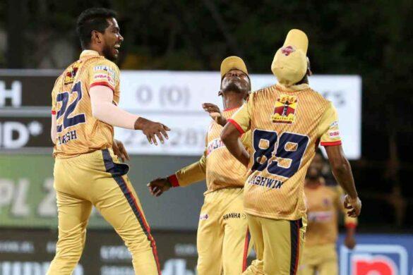 18 गेंदों में 50 रन और फिर 4 विकेट झटक इस खिलाड़ी ने पेश किया टीम इंडिया के लिए दावेदारी 44