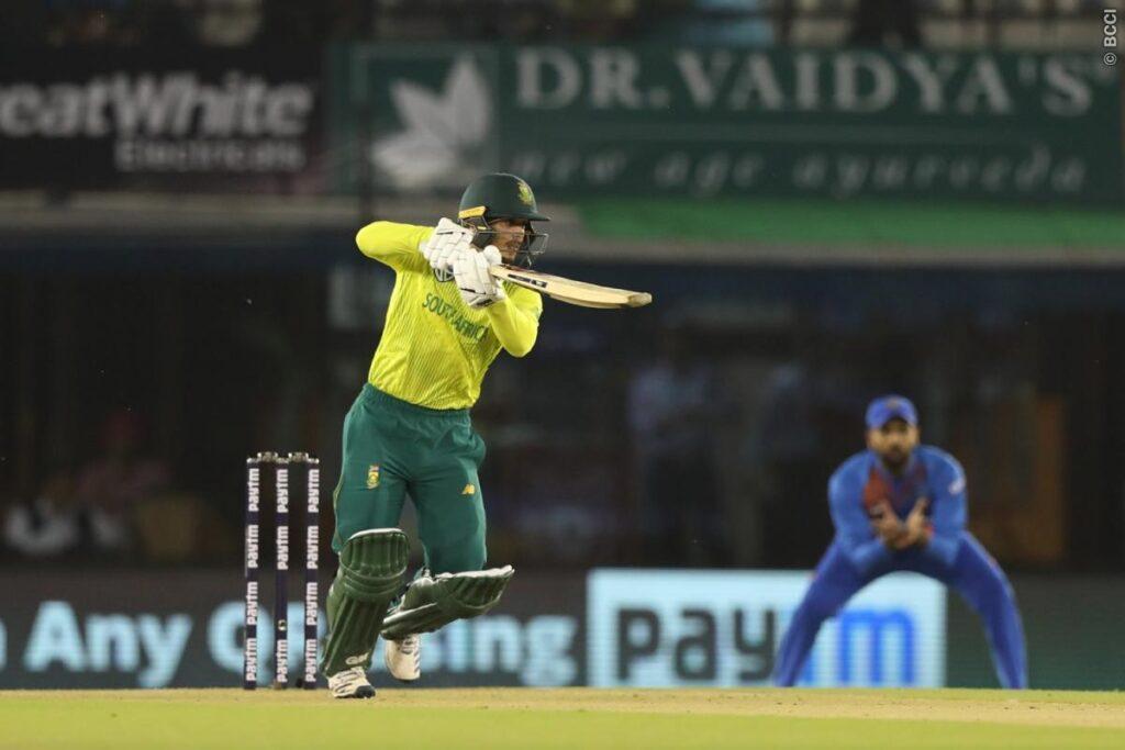 IND vs SA : ट्विटर पर रवि शास्त्री की तस्वीर का उड़ा जमकर मजाक 2
