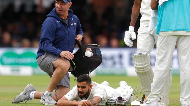 WATCH: भारतीय फैंस के लिए बुरी खबर, विराट कोहली टी-20 मैच के दौरान हुए चोटिल 3
