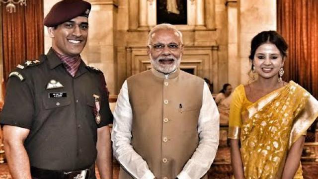 भारत में प्रधानमंक्षी नरेन्द्र मोदी के बाद महेन्द्र सिंह धोनी हैं सबसे ज्यादा प्रशंसनीय व्यक्ति 5