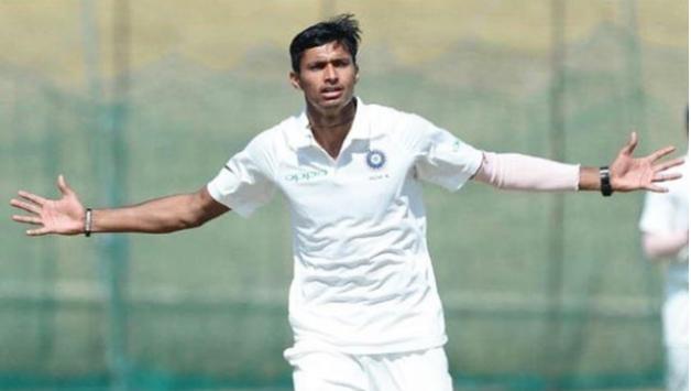 ये हैं वो 3 तेज गेंदबाज जो न्यूज़ीलैंड दौरे पर टेस्ट सीरीज में इशांत शर्मा की ले सकते हैं जगह 3