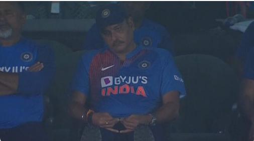 IND vs SA : ट्विटर पर रवि शास्त्री की तस्वीर का उड़ा जमकर मजाक 1