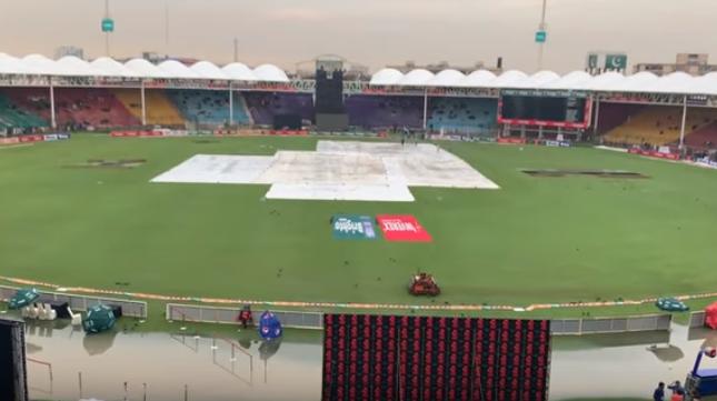 PAKvSL: बारिश रुकने के घंटों बाद भी शुरू नहीं हुआ मैच, पूर्व पाकिस्तानी दिग्गजों ने जताई नाराजगी 13