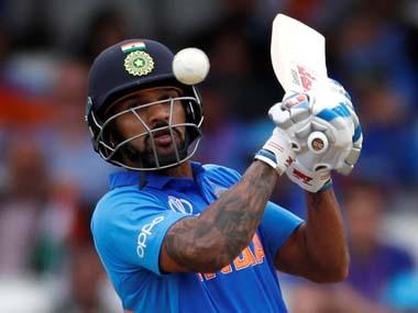 साउथ अफ्रीका ए के खिलाफ वनडे मैच के दौरान हुआ दर्दनाक हादसा, शिखर धवन के गर्दन पर लगी गेंद 1