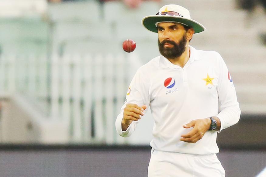 पाकिस्तान के मुख्य कोच और मुख्य चयनकर्ता बनाये जाने के बाद सोशल मीडिया पर ट्रोल हो रहे मिस्बाह उल हक 4